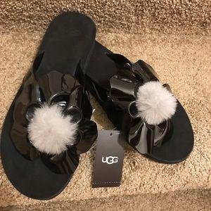 UGG poppy black patent thong sandals
